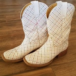 Women's Tin Hauls Size 8 White with Multi Color
